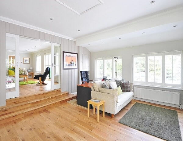 Laminate flooring services in Chicago. Affordable costs and really professional team.