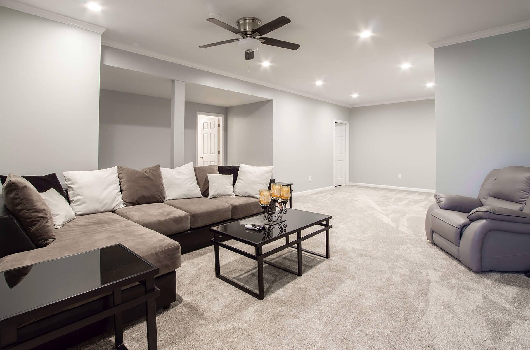 Wall to wall carpeting with Simple Flooring Co. Choose your best flooring solution!