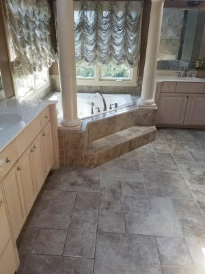 Ceramic tiles flooring service. Affordable costs and qualified staff. Get a free estimate now!